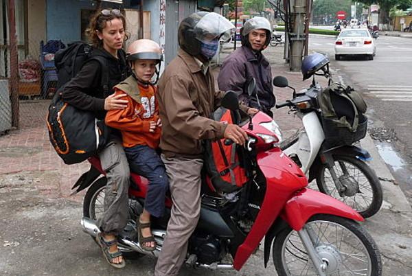 moto-taxi-vietnam