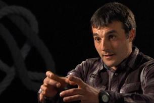 L'exetarra Iñaki Rekarte demana perdó a les víctimes del terrorisme. (Foto: TV3)
